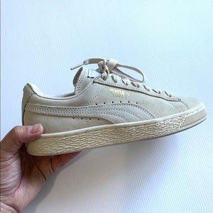 Puma Suede Classic XXI Sneakers (Unisex)